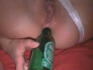 Amateur Beauty Assfucking At Home With A Heineken Bottle