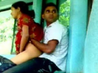 Daring Campus Fucking For Indian College Students