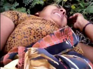 Busty Desi Aunty Cheating With Her First Neighbor In A Field