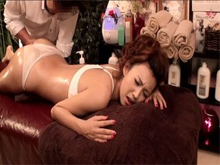 Japanese Girl Never Expected This Kind Of Massage When She Came To A Salon