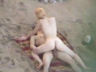Voyeur Hidden Cam  Beach Couple Fuck xLx