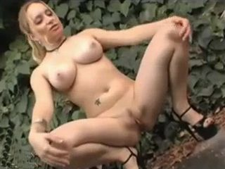Public Flashing Pussy xLx