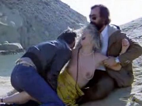 Tourist Milf Visits Wrong Deserted Beach - Movie Scene From Emmanuelle Exposed With Muriel Montosse