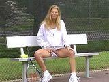 Voyeur Flashing in Tenniscourt xLx