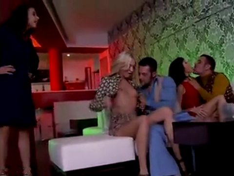 Jealous Wife Appeared From Nowhere In The Club And Spoil All The Fun