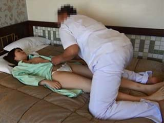Hotel Masseur Noticed That Sexy Wife Moaning When He Touching Her On Intimate Parts So He Decided To Fuck Her Uncensored