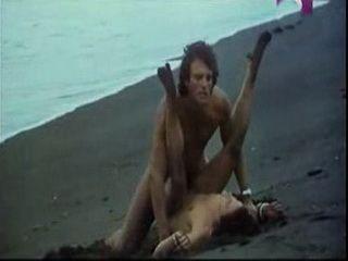 Sin Bragas Y A Lo Loco (1982) xLx