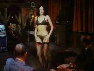 Lass Jucken Kumpel 2 Das Bullenkloster (1973) xLx