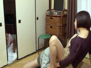 Son Spying While His Slutty Mother Paying Repairman Services In Kind