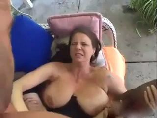 Mother Gets Her Pussy Juice Flowing