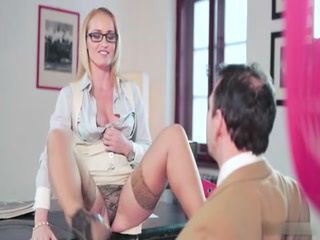 Lustful Secretary With Wide Open Legs Asks Her Boss For a Raise