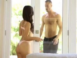 Spoiled Daddys Girl is Not Hiring By Accident This Muscular Dude To Clean the Pool