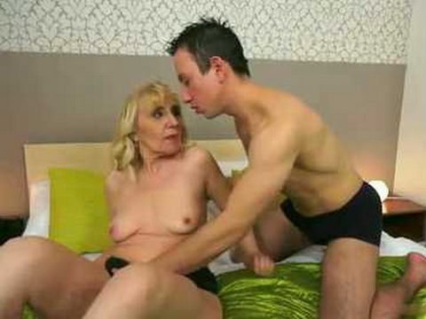 Mature Gets Anal fucked By A Younger Dude