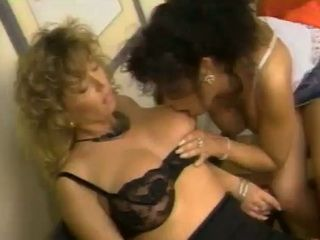 Tracy Adams eating hairy pussy in lesbian fest