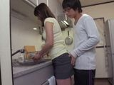 Horny Boyfriend Could Not Resist To His Hot Gf While Washing Dishes
