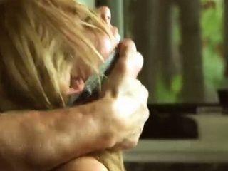 Blonde Housewife Got Unpleasant Surprise In The Kitchen