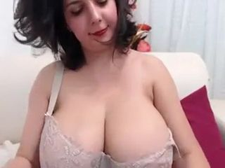 Huge Tit Cam Girl Play Herself