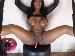 Black Latina With Huge Tits Fuck Herself